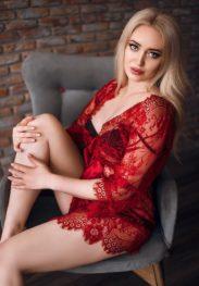 Nika Sexy Blonde Escort Dubai
