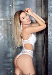 Yulia elegant and Charming Girl Dubai