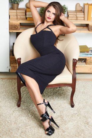 Karolin Busty Model Dubai +971554506775